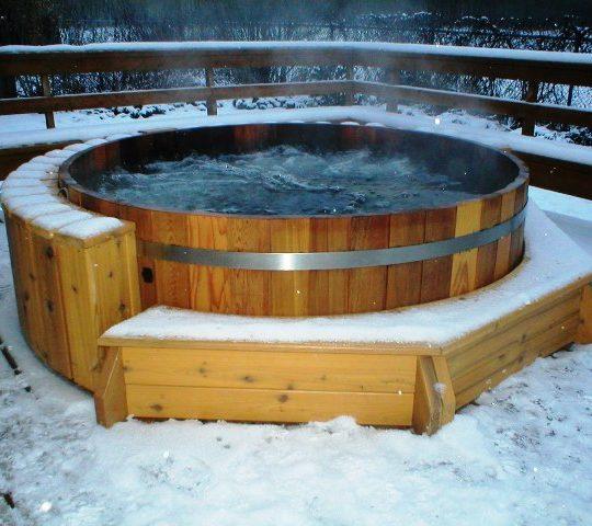 https://gasthofpost-bruck.at/de/wp-content/uploads/2016/02/Wooden-HotTub-Whirlpool_RedCedar-22-540x480.jpg